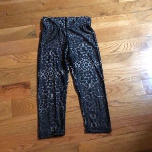 The upside cropped leopard leggings